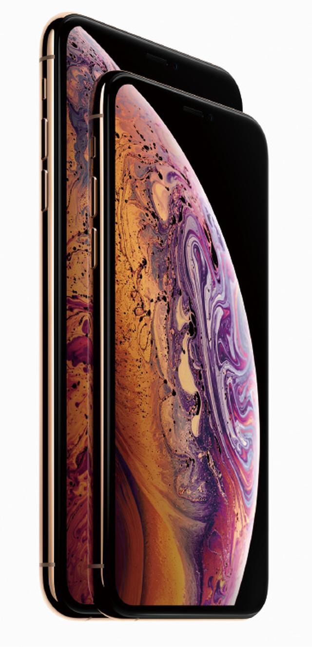 画像: ホームボタンを廃止し、大画面となったiPhone2世代目。ポートレート撮影は二つのカメラを駆使し、あとからボケ具合を変えられる。