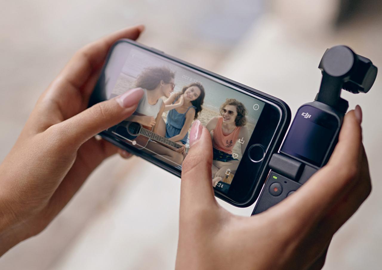 画像: Lightning端子かUSB Type-C端子でスマホを接続可能。スマホアプリを使えば、撮影映像の確認、詳細な設定・操作、録画データの転送ができる。
