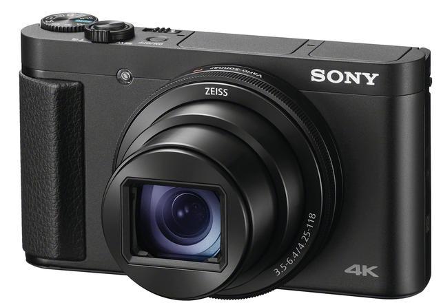 画像: 前面の右手側に細身のグリップを装備する点が、WX800やWX700(ウェブ限定モデル)と違うところ。これによって、カメラ保持の安定感が増す。