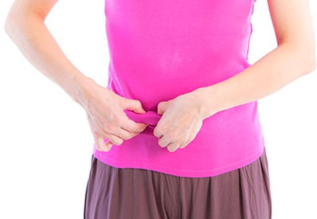 画像12: 【腸を温める方法】お腹をつまんで内臓を温める「へそ按摩」は冷えを改善するセルフケア