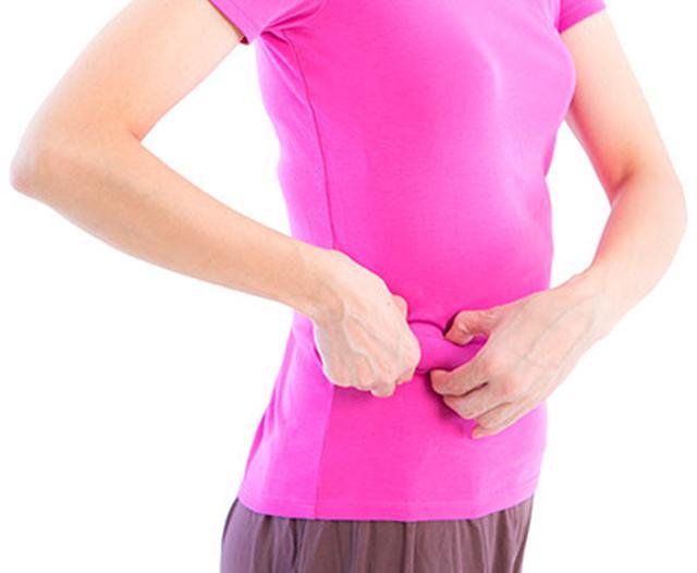 画像8: 【腸を温める方法】お腹をつまんで内臓を温める「へそ按摩」は冷えを改善するセルフケア