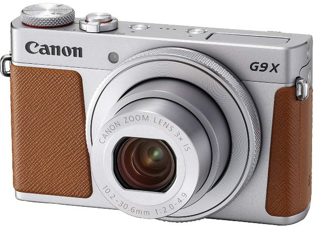 画像: センサーサイズ1.0型のコンパクトカメラ。センサー有効画素数:約2010万画素。クラシックとモダンを融合させた高級感のあるデザイン。グリップの部材には、樹脂にゴム調の特殊塗装を施し、高品位な質感を実現。