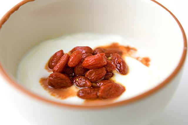 画像4: 【目に潤い】クコの実の食べ方は?薬膳研究家おすすめは「クコの実酢」