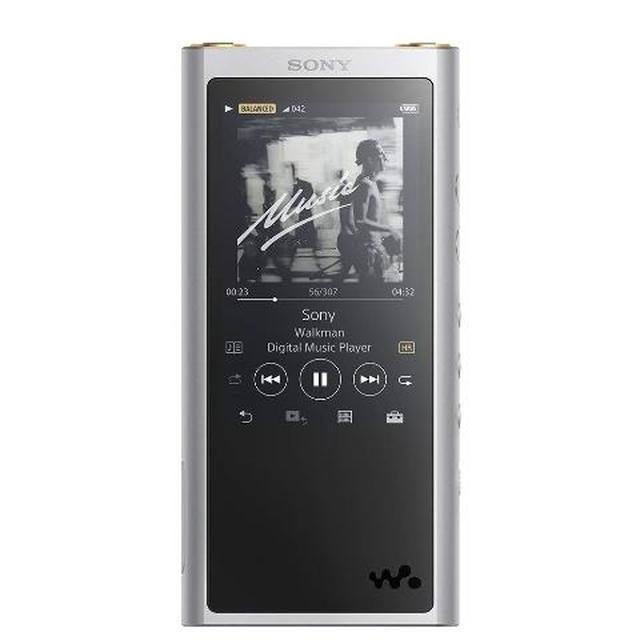 画像: イヤホンのバランス接続にも対応した「NW-ZX300」(シルバー)。内蔵メモリ容量が128GBの「NW-ZX300G」も発売中。 www.amazon.co.jp