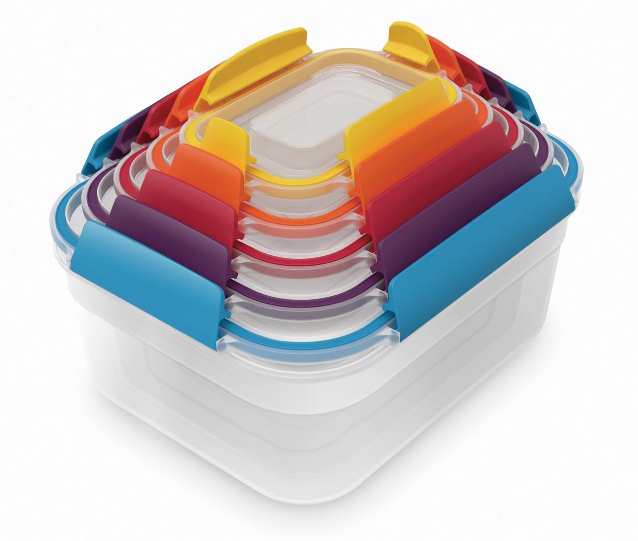 画像: サイズごとに色分けされてわかりやすい。フタとケースのきれいな重ね合わせで場所を取らずに収納できる。