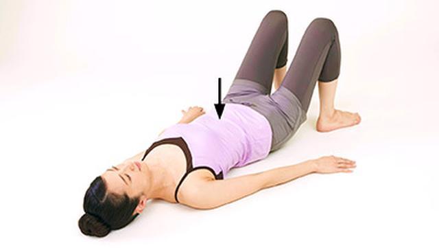画像7: 女性の尿漏れ・頻尿を改善する「膀胱若返りヨガ」のやり方