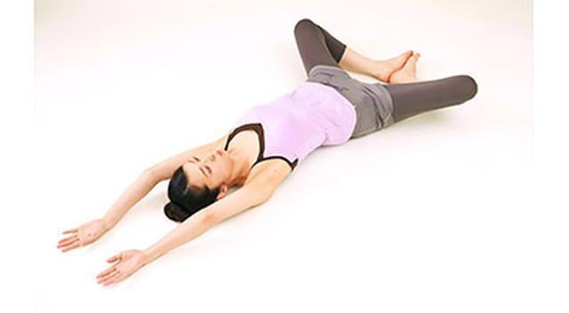 画像16: 女性の尿漏れ・頻尿を改善する「膀胱若返りヨガ」のやり方