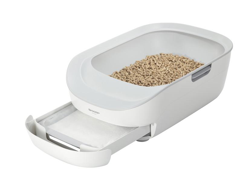 画像: システムトイレ型 「ペットケアモニター」(HN-PC001)。 サイズは筐体部:幅380×奥行576×高さ188mm スケール部:幅263×奥行424×高さ50mm 重量:約4kg cocorostore.sharp.co.jp