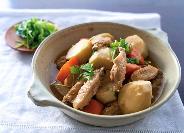 画像: カルシウム補給に最適!「里芋と鶏手羽中の煮干し酢さっぱり煮」