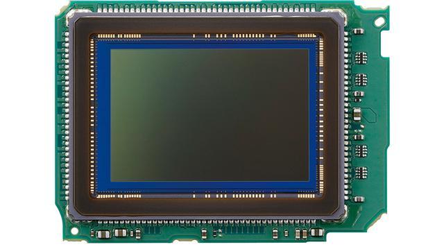 画像: 有効2620万画素のデュアルピクセルCMOS撮像センサーと、最新版の画像処理エンジンDIGIC 8との組み合わせで、上位に迫る高画質を実現。