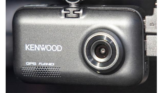 画像: リアカメラの角度設定は前後しかできない。安全運転支援のための、キャリブレーション設定がいま一つ。