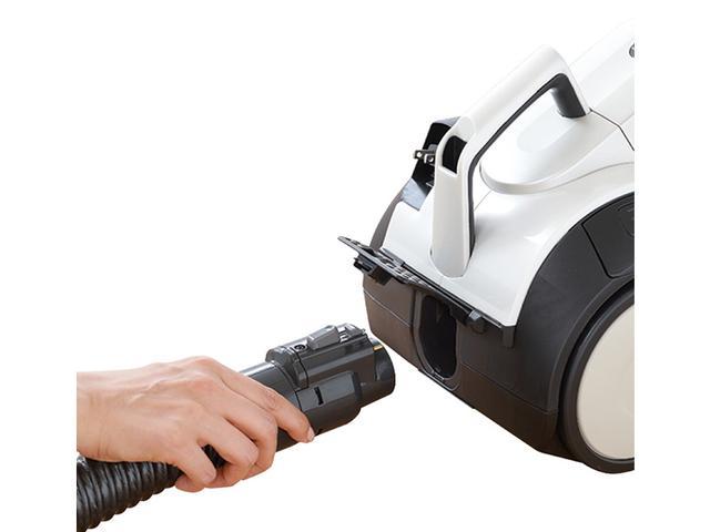画像: エアブロー機能。本体後ろの排気カバーを開けて、ホースを差し込む。