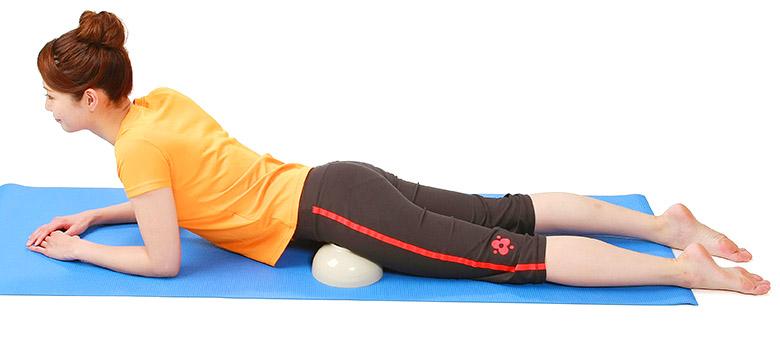 画像2: 仙腸関節のズレを戻して脊柱管狭窄症や腰痛を改善するストレッチ「どんぶり指圧」のやり方