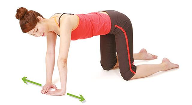 画像3: 【痛み・しびれ】脊柱管狭窄症の症状を改善!背中をほぐす体操「ハイハイ体操」のやり方