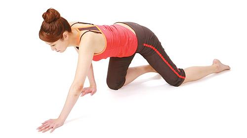 画像4: 【痛み・しびれ】脊柱管狭窄症の症状を改善!背中をほぐす体操「ハイハイ体操」のやり方