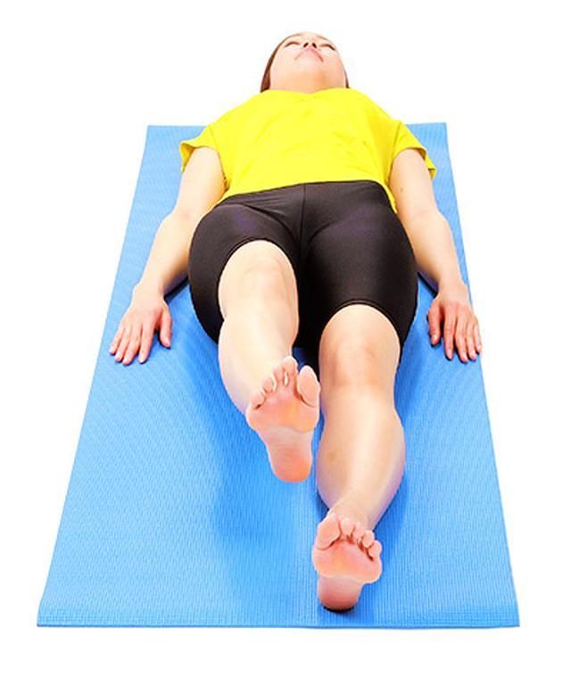 画像2: 【脊柱管狭窄症を改善】正しく背筋を伸ばす「大腰筋ほぐし」のやり方