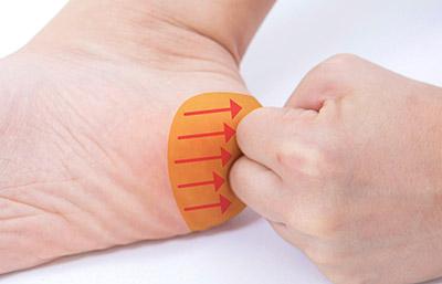 """画像16: 【症状別】足裏マッサージのやり方 不調や痛みを改善する""""痛くない""""足裏ケア"""