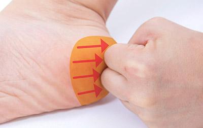 """画像30: 【症状別】足裏マッサージのやり方 不調や痛みを改善する""""痛くない""""足裏ケア"""
