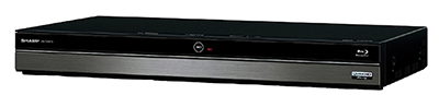 画像: 地上/BS/CSチューナーを3基内蔵した2Tバイトモデル。4Kチューナーは内蔵しないが、4B-C40AT3/C20AT3で録画した4K画質のBDが再生可能。UHD BDの再生にも対応している。音声での番組検索や再生操作が行える「声でラクラク操作」にも対応。1Tバイトモデルもある。