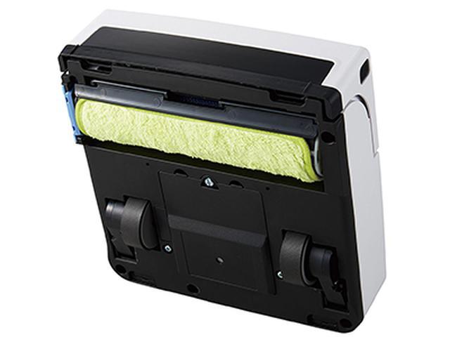画像: 専用モップを巻きつけて、回転式ローラーを本体にセット。一定時間ごとに回転するため、常にきれいな面で掃除することができる。