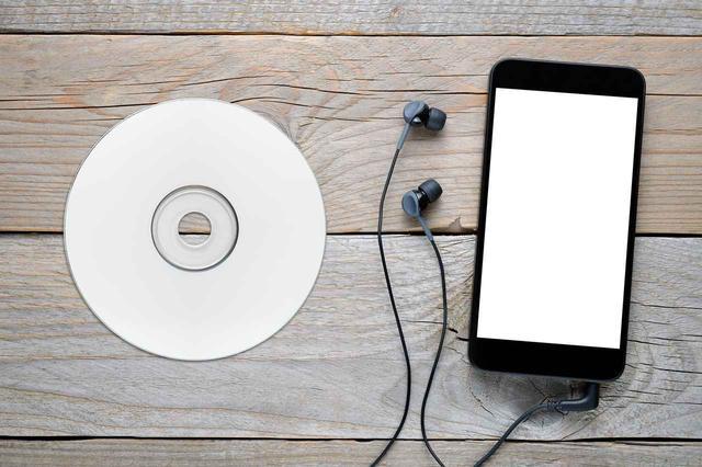画像: CDの音楽をスマホへ取り込むには?パソコンなしの場合はどんな方法がある? - 特選街web