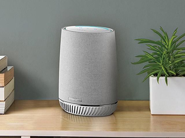 画像: ●どの部屋に置いても快適にWi-Fiがつながる! 音楽を聴きたい場所やスマートスピーカーを使いたい部屋に置けば、その部屋まで高速のWi-Fiが導かれる。縦型デザインなので、狭い場所にも設置できる。