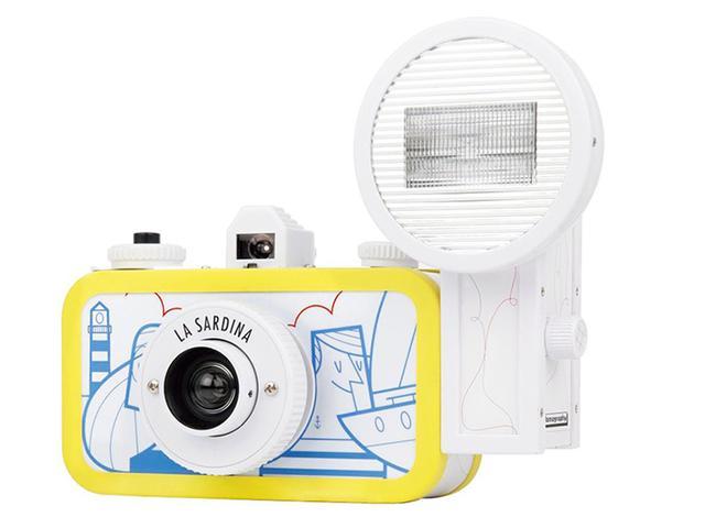 画像1: ポップなデザインを採用したフィルムカメラ