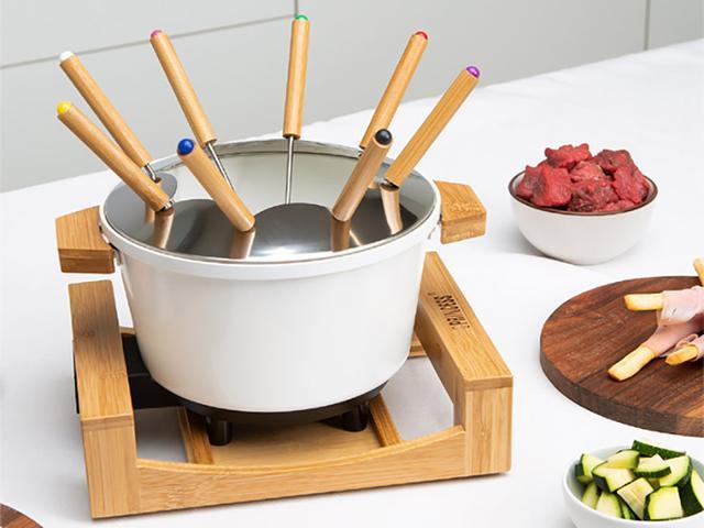 画像: プリンセス PRINCESS Table Fondue & Fry Pure(テーブル フォンデュ アンド フライ ピュア) www.yodobashi.com