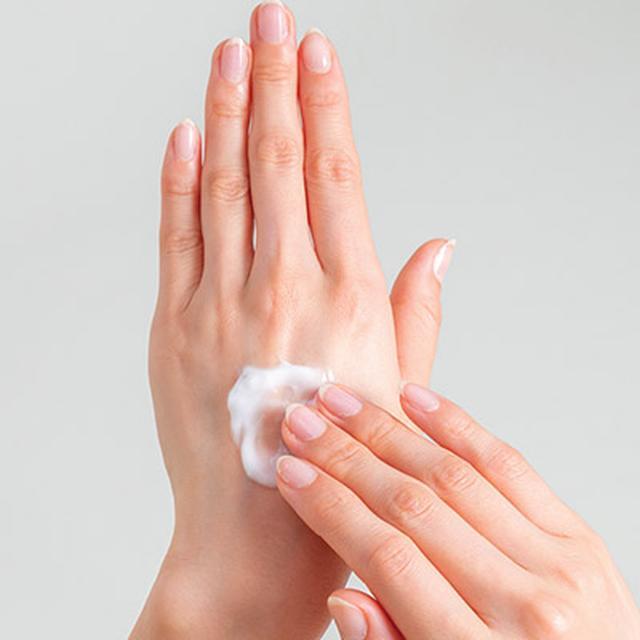 画像1: 【ハンドクリームの塗り方】肌荒れやかゆみなど症状による使い分け方をベテラン美容家が伝授
