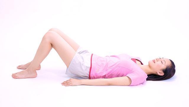 画像5: 【効果的な脚痩せ方法】お腹からマッサージするのがポイント。老廃物が流れやすくなりむくみも解消!
