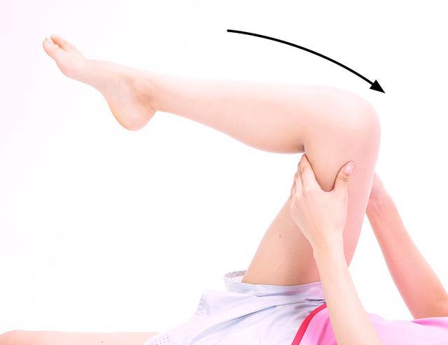 画像9: 【効果的な脚痩せ方法】お腹からマッサージするのがポイント。老廃物が流れやすくなりむくみも解消!