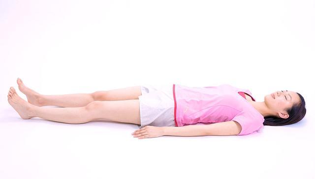 画像2: 【効果的な脚痩せ方法】お腹からマッサージするのがポイント。老廃物が流れやすくなりむくみも解消!