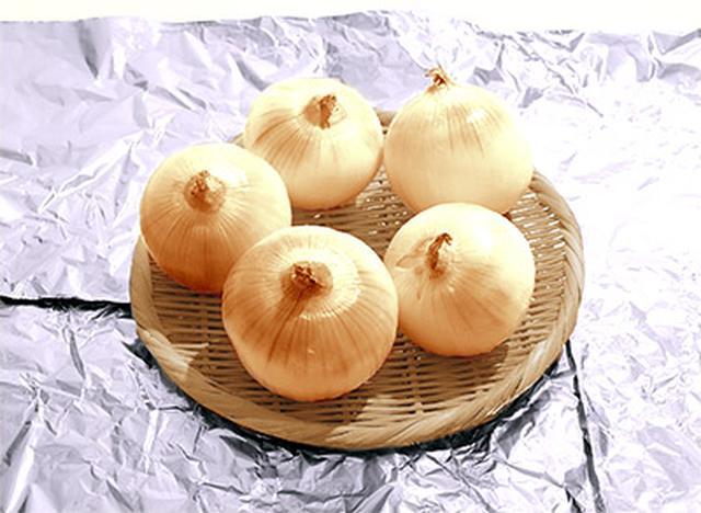画像: 【ケルセチン配糖体】玉ねぎの白い部分も「日光に当てて干す」とケルセチンを増やせる