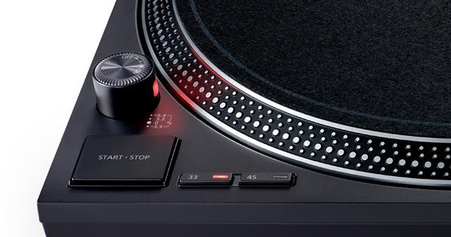 画像: サイズや各操作ボタンなどの配置は歴代製品ほぼそのまま踏襲される。