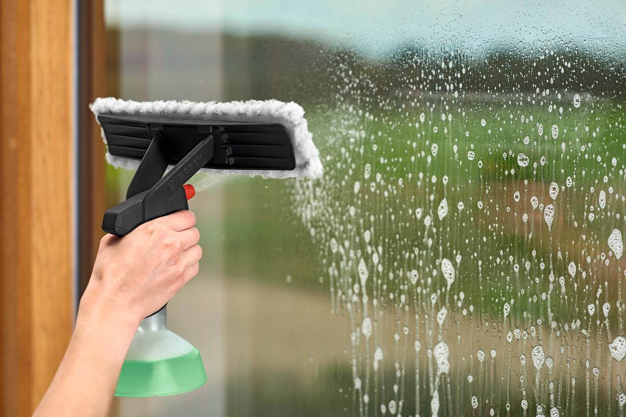 画像2: 【窓掃除を簡単にする道具】自宅や車の窓、浴室の壁をキレイにするボッシュのバキュームクリーナー
