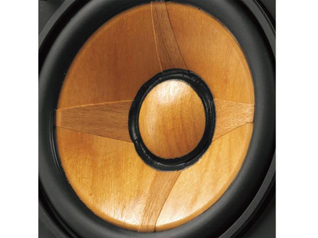 画像: ウッドコーンユニットは、9センチのフルレンジ。チェリー材の異方向性振動板で、広い音楽空間と高解像度なサウンドを実現する。