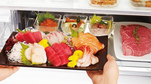 画像: 「真空チルドルーム」に代わって2019年モデルから搭載された日立の「特鮮氷温ルーム」。肉や魚の乾燥を抑え、約-1℃で凍らせずに美味しく保存できる。 kadenfan.hitachi.co.jp