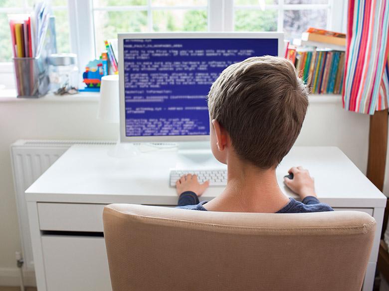 画像: プログラミング教室が大人気な理由は?