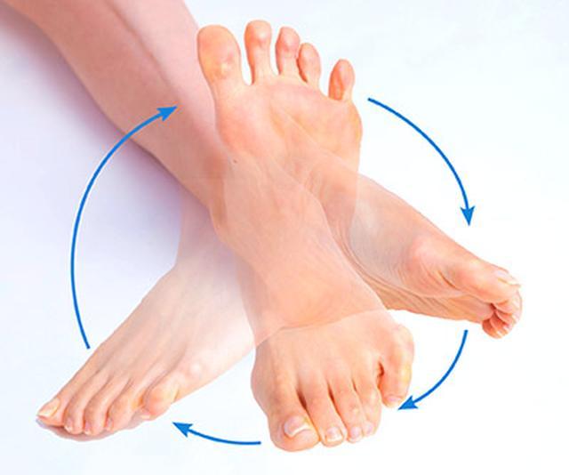 画像8: 【足裏の反射区】症状別「足の裏もみ」のやり方 心の痛みに気づいてあげることが大切