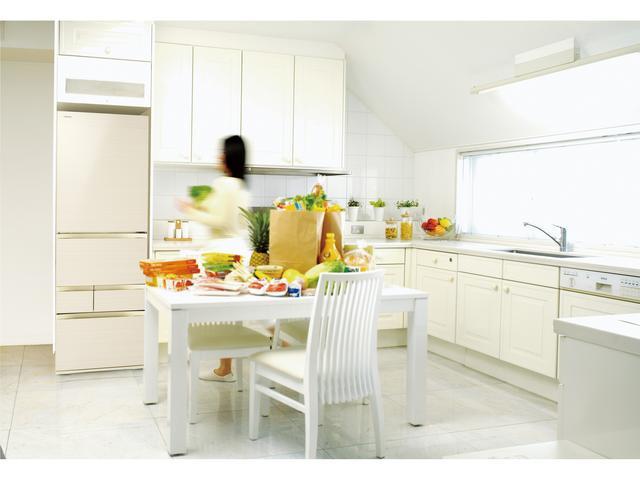 画像2: 幅60センチで501リットルの大容量を実現したスリムな冷蔵庫