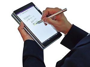 画像: ● タッチペン付きタブレットにもなる