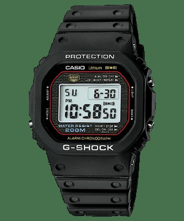 画像: 1983年に発売された初代G-SHOCK「DW-5000C」。そのスクエアデザインは、G-SHOCKの基本形状としていまも多くの製品に受け継がれている。 g-shock.jp