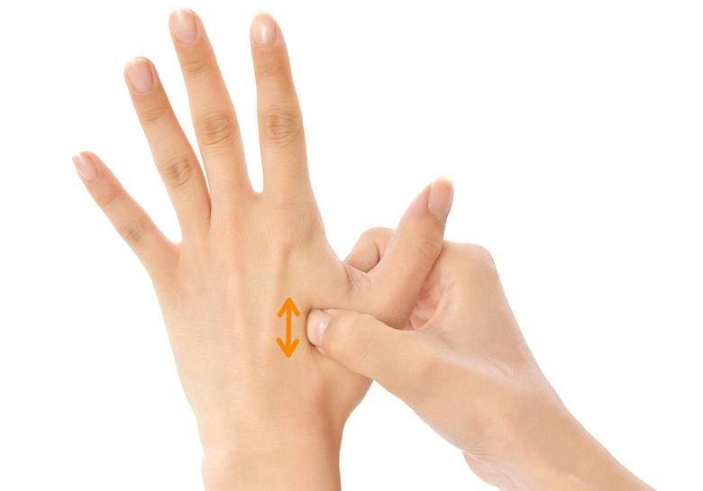 画像5: 【痛み治療の専門医解説】へバーデン結節や手の痛み・しびれを改善する「10秒神経マッサージ」のやり方