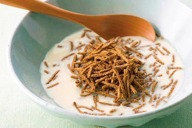 画像: 食物繊維が豊富なブラン(小麦ふすま・外皮)だが、シリアルのほかの材料には糖質も含むので、食べすぎ注意 [糖質:13g]