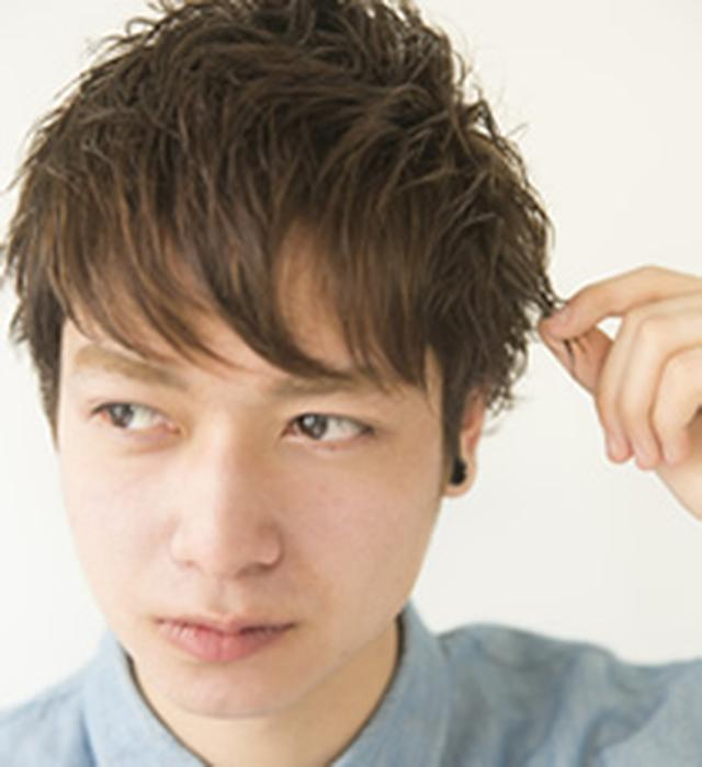 画像: サイド、トップをつまんで毛束をつくり、ひし形っぽいシルエットに仕上げれば完成。 www.loretta-jp.com