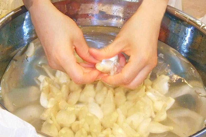 画像3: 【らっきょうの漬け方】材料の選び方・体にやさしい食べ方を紹介 漢方流「黒酢らっきょう」とは?