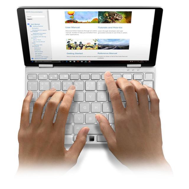 画像: UMPCの大きな魅力の一つとして、フル機能の「Windows10」を搭載している点がある。動作要件さえクリアーしていれば、フォトレタッチや動画編集、ゲームなど、さまざまなウィンドウズ向けアプリを利用可能。さらに、ストアアプリ版の「Office Mobile」なら、10.1型以下という無償利用の条件を満たしているため、無料で利用できる(ただし、非商用に限る)。 www.one-netbook.jp