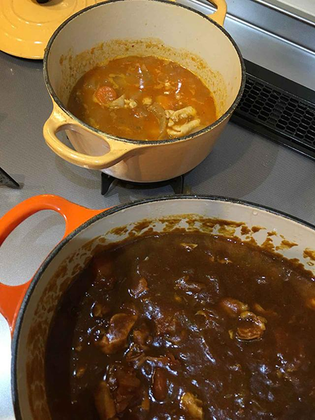 画像: 子供用の鍋は、具材を少し小さく切り、それぞれにルーを入れた。