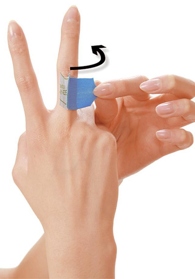 画像38: ふくらはぎダイエットに!二重あごや二の腕など「部分やせ」ができる【ダイエットテープのやり方】を紹介