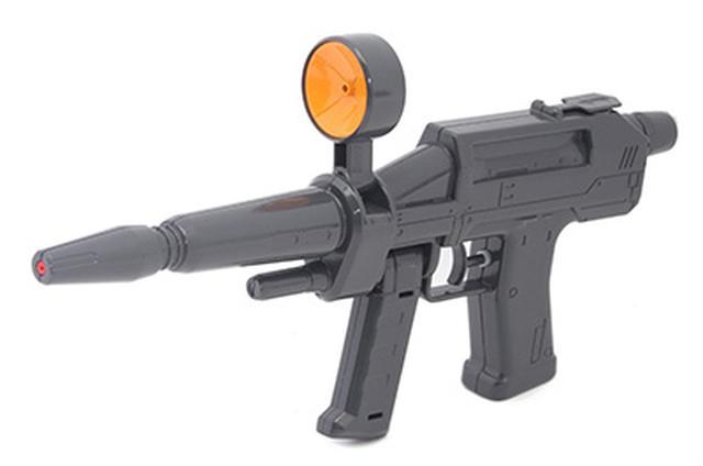 画像: 全長31センチ。小学1年生でちょうどいいサイズ感の水鉄砲。水鉄砲としての威力はないが、細部にまでこだわったディテールのよさが魅力。